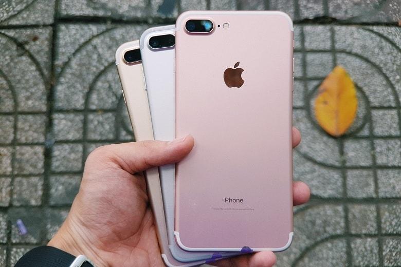 """6 lý do khiến iPhone 7 Plus vẫn """"xưng vương"""" trên thị trường"""